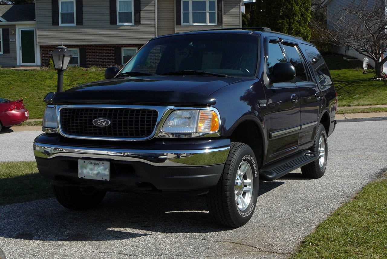 Deep Wedgewood Blue 2000 Ford Expedition XLT 4wd