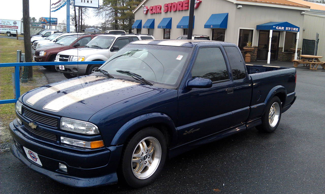 blue 2002 Chevrolet S10 Pickup xtreme