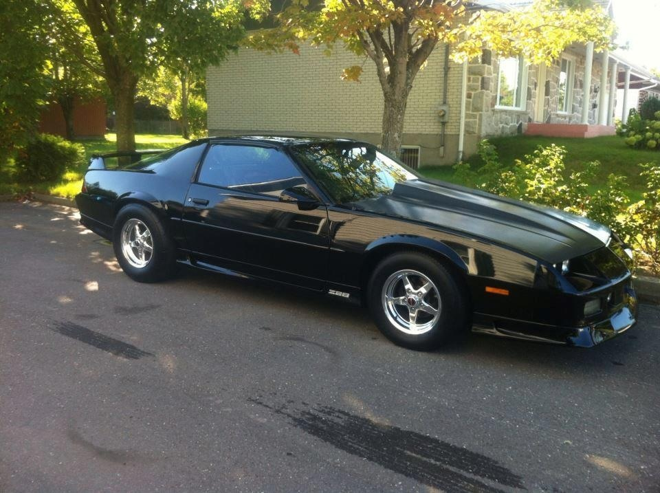 black 1991 Chevrolet Camaro z28