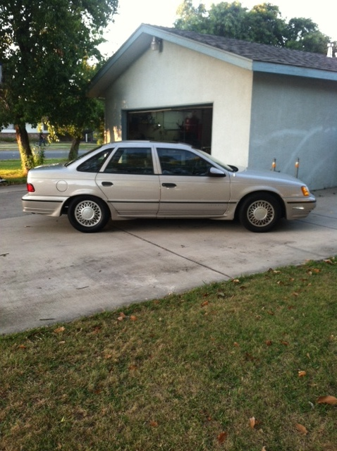 Light Grey 1990 Ford Taurus SHO