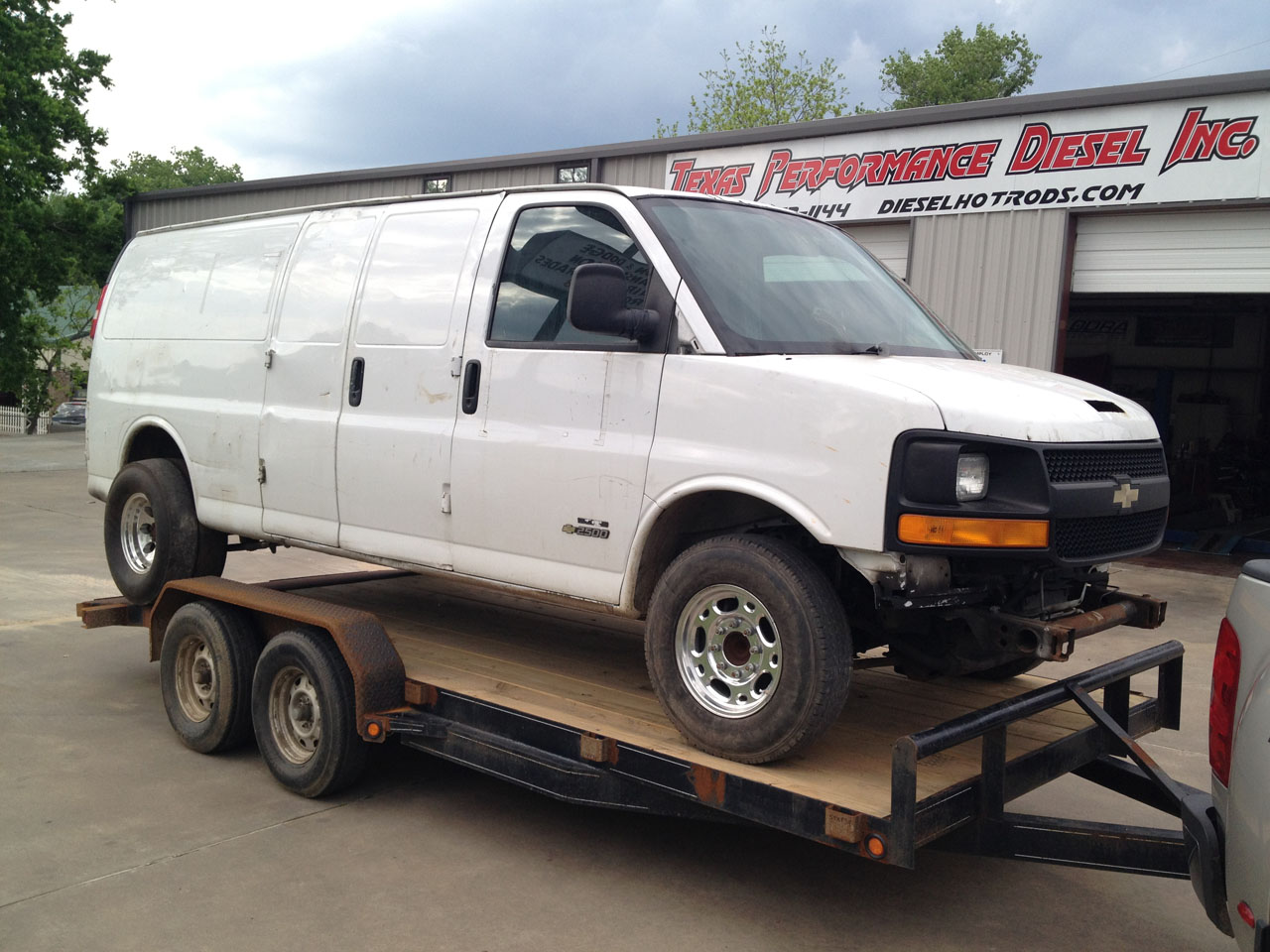 2006 White Chevrolet Express Van 2500 picture, mods, upgrades