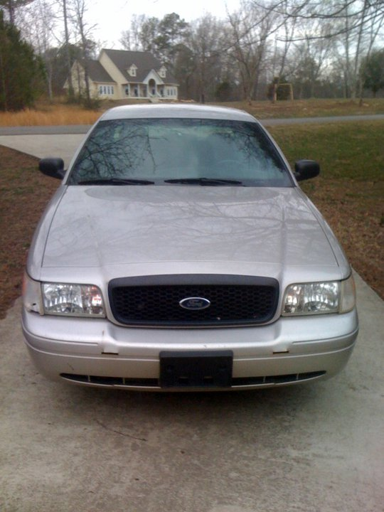 2004 Silver Ford Crown Victoria P71 picture, mods, upgrades