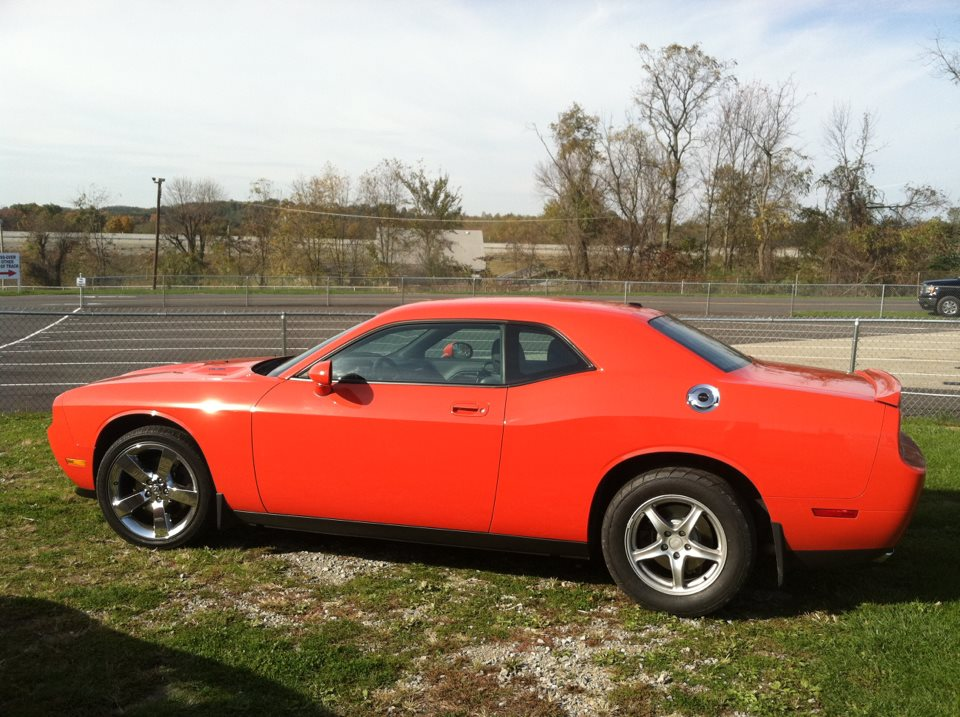 2009 Hemi Orange Dodge Challenger R/T 6 speed manual picture, mods, upgrades