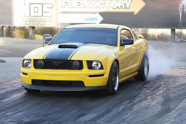 2005 Screaming Yellow Ford Mustang GT picture, mods, upgrades
