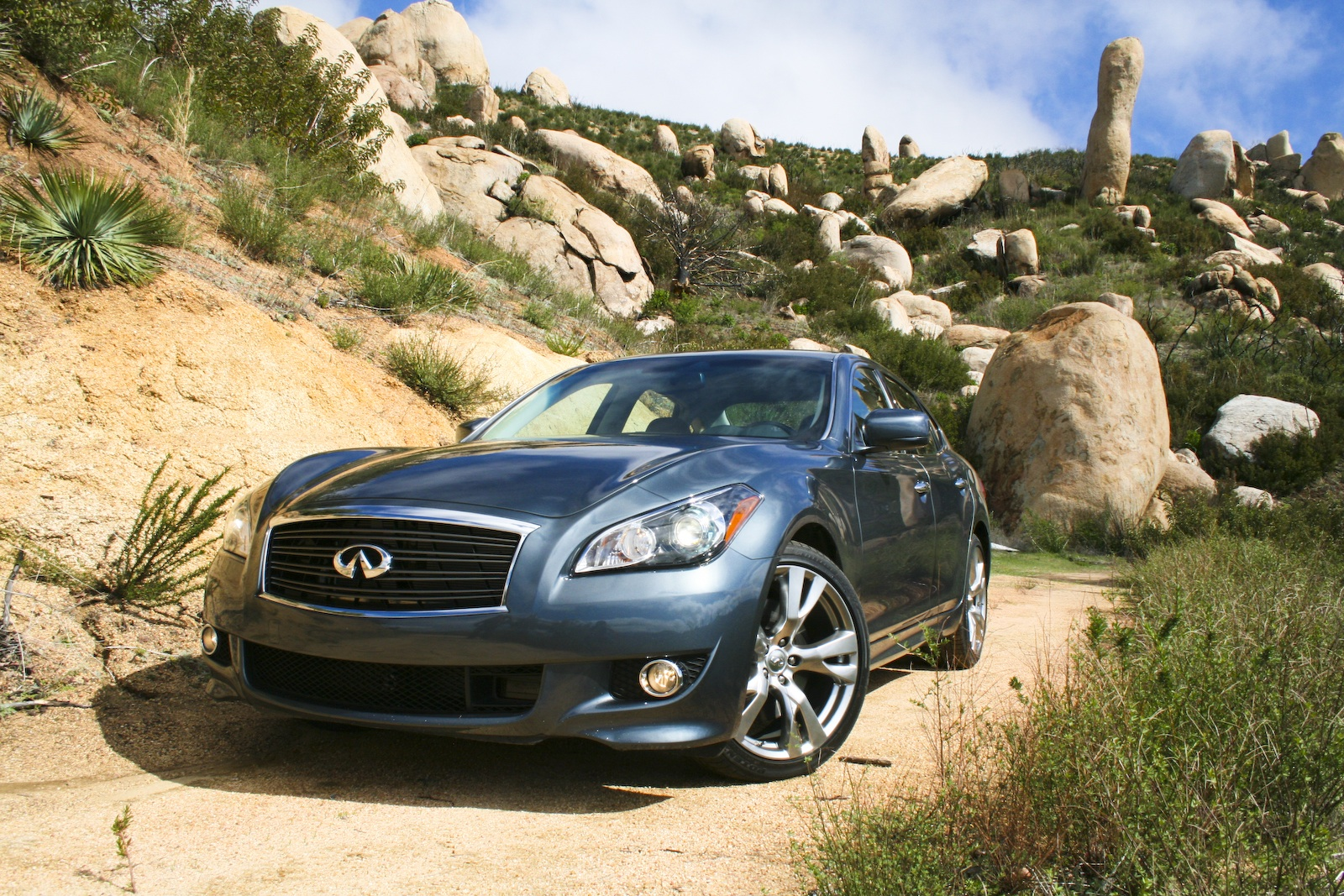 2011  Infiniti M56 S picture, mods, upgrades