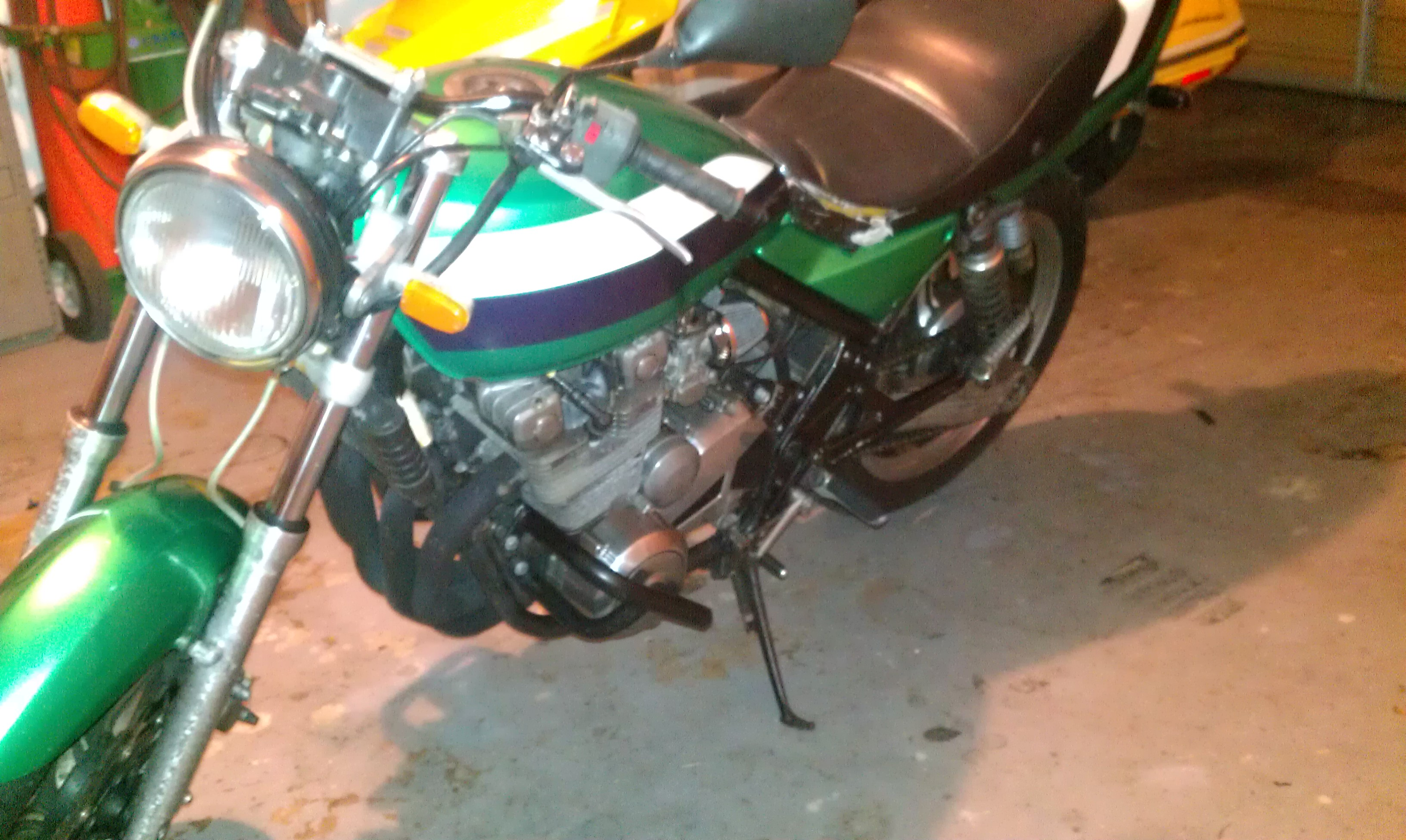 1991 green Kawasaki ZR550 zephyr picture, mods, upgrades