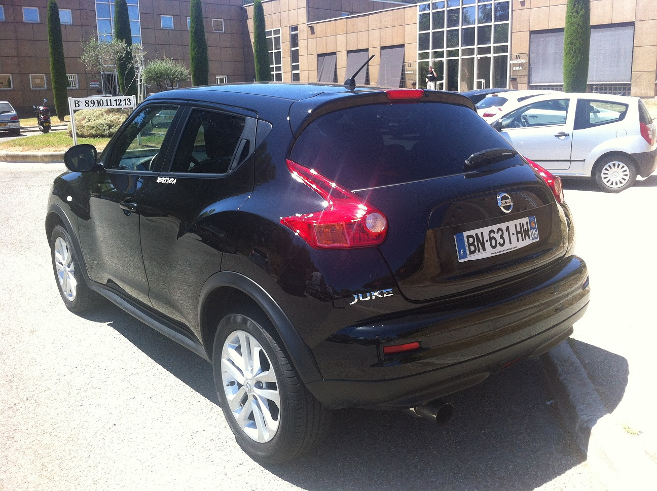 BLACK 2011 Nissan Juke 1.6L TURBO