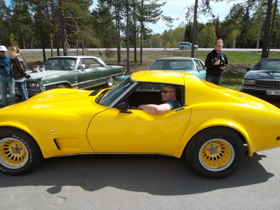 1975 yellow Chevrolet Corvette stingray picture, mods, upgrades