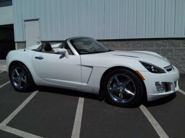 2008 Polar White Saturn Sky Redline picture, mods, upgrades