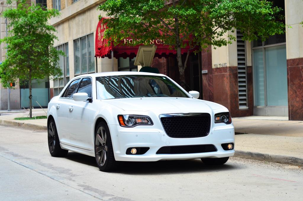 White 2012 Chrysler 300 SRT-8