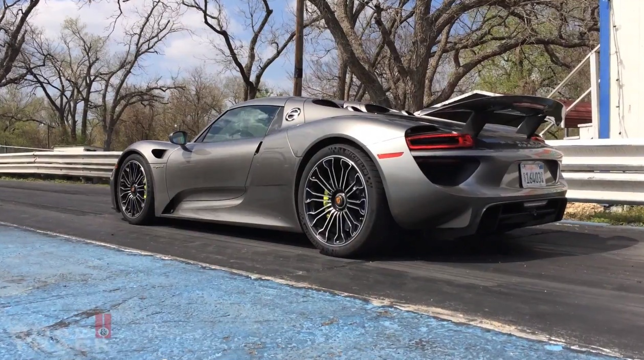 porsche 918 spyder 1 4 mile drag racing testing drag racing. Black Bedroom Furniture Sets. Home Design Ideas