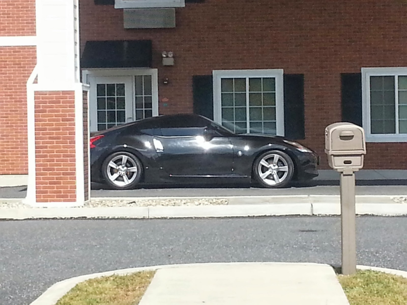2009 black Nissan 370Z  picture, mods, upgrades