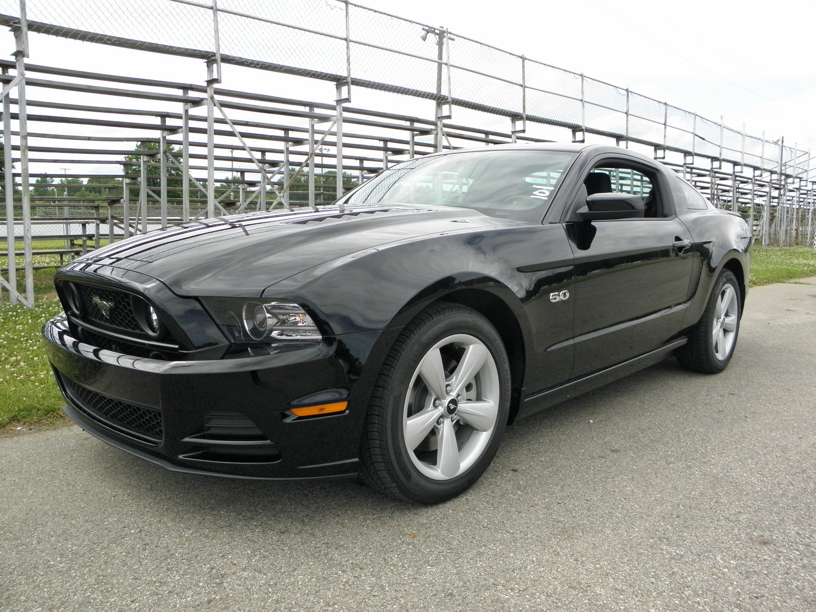 stock 2014 ford mustang gt 1 4 mile drag racing timeslip specs 0 60. Black Bedroom Furniture Sets. Home Design Ideas