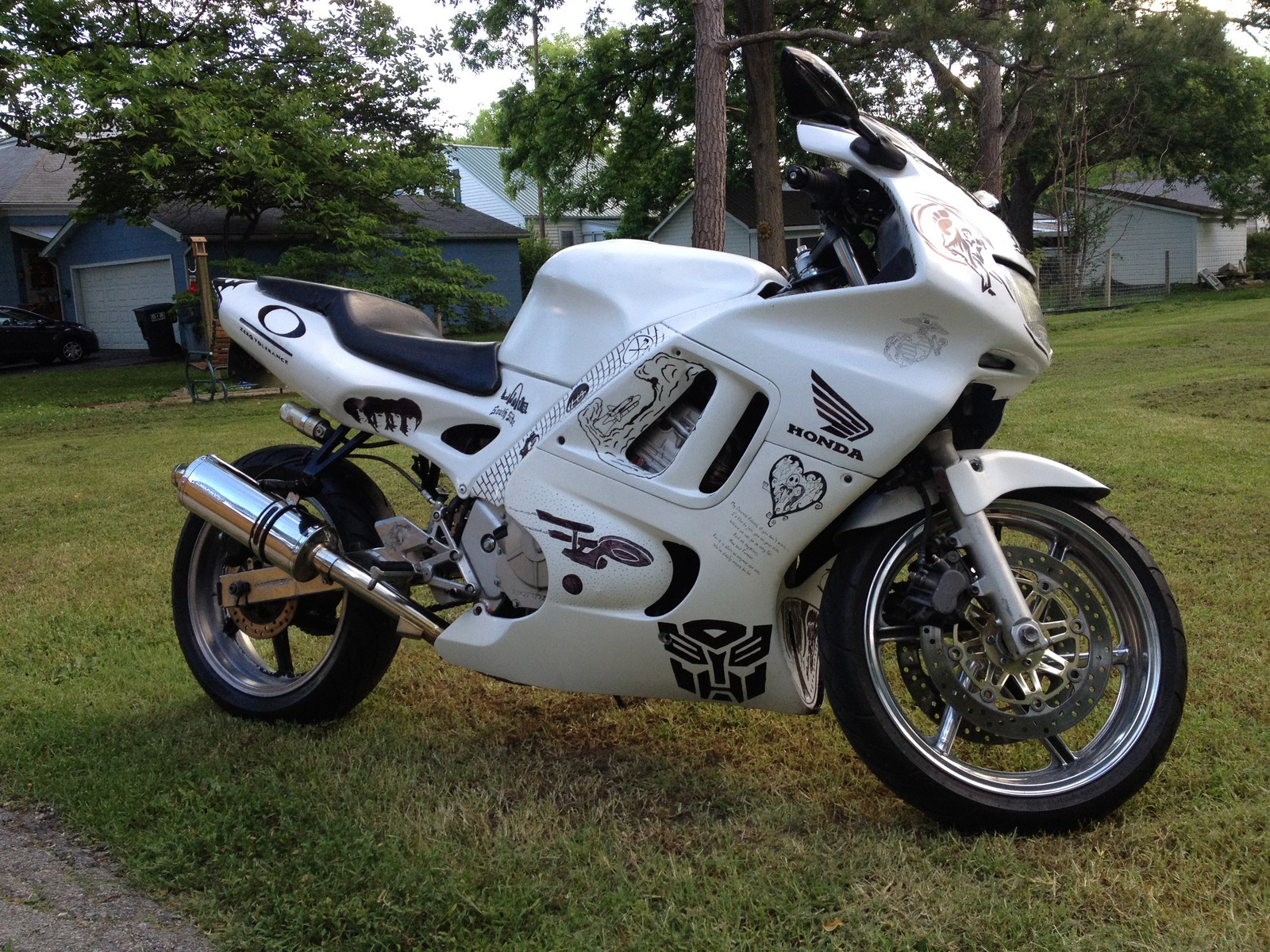 White custom 1997 honda cbr f3 600