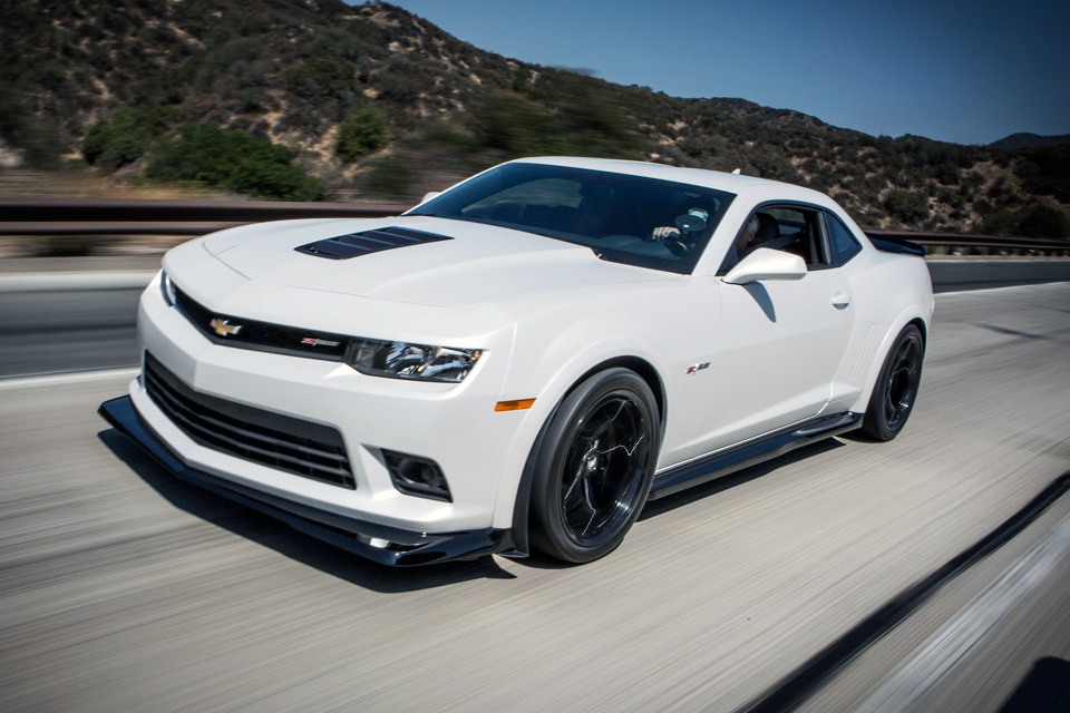 2015 white Chevrolet Camaro z28 Pictures, Mods, Upgrades, Wallpaper - DragTimes.com