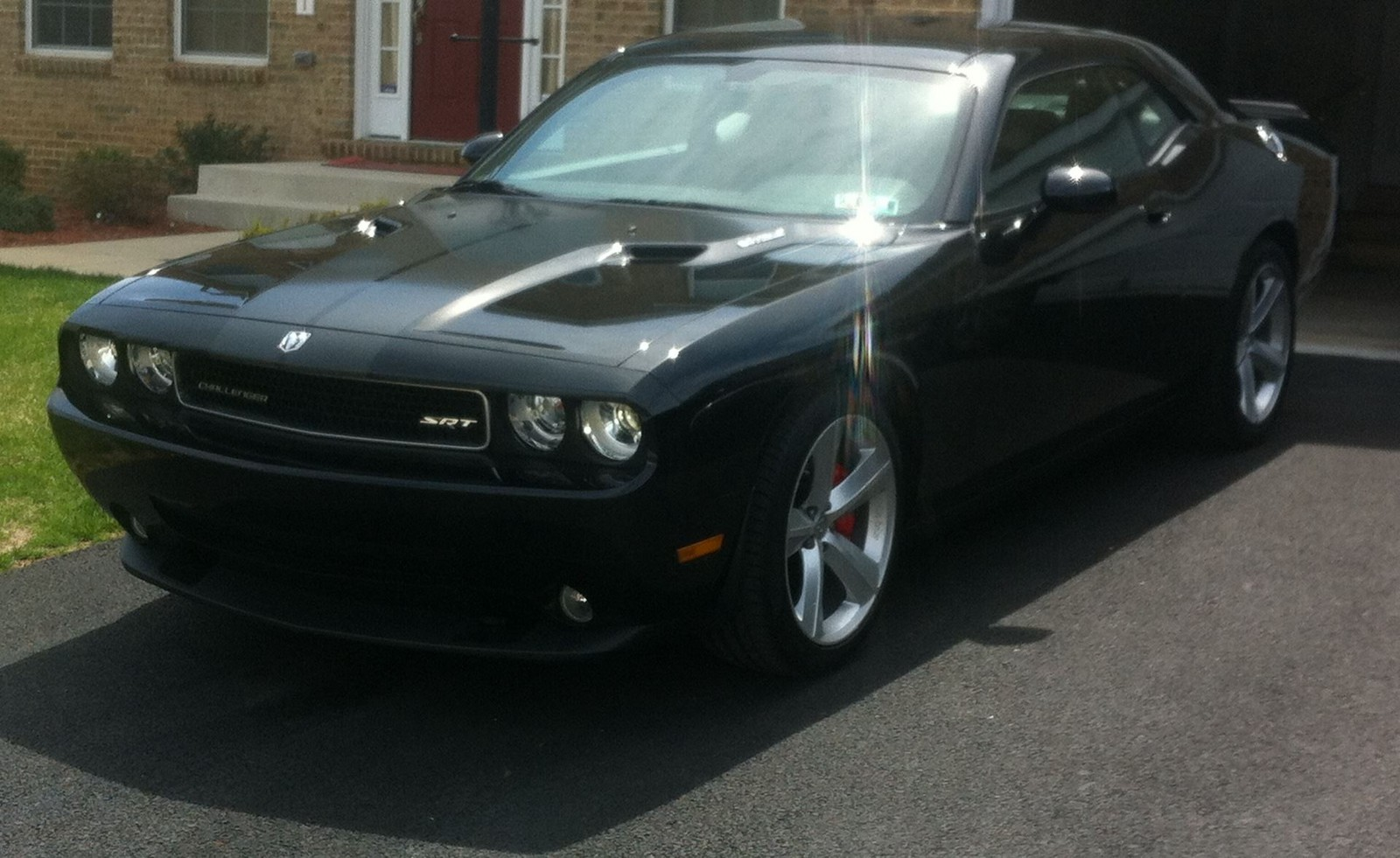 black 2009 Dodge Challenger SRT8