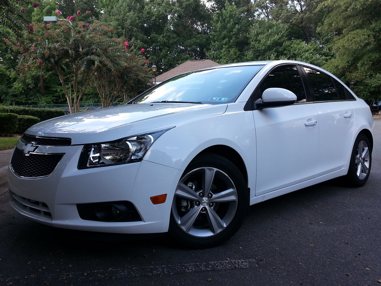 2013 white chevrolet cruze lt 2 pictures mods upgrades wallpaper dragtimes com