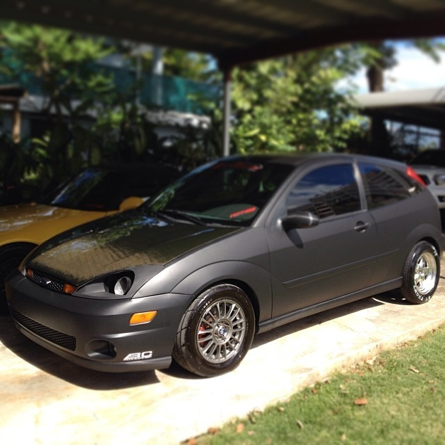 Flat Black 2001 Ford Focus ZX3