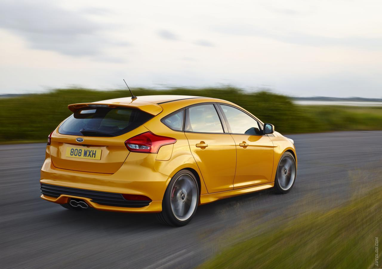 yellow 2015 Ford Focus ST