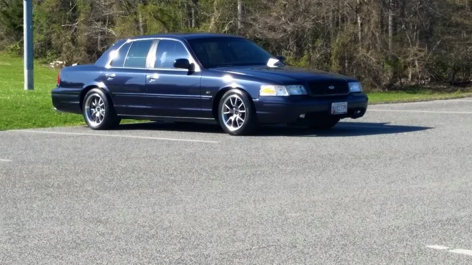 Deep Wedgewood Blue Metallic 2002 Ford Crown Victoria LX Sport