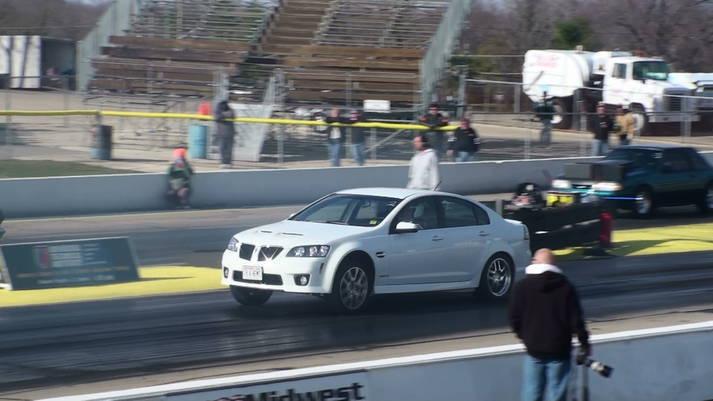 2009 Pontiac G8 GXP 1/4 mile trap speeds 0-60 - DragTimes com