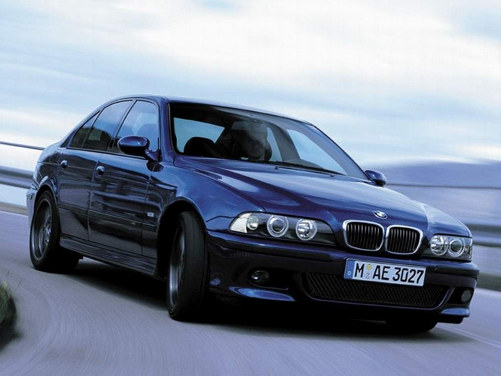 Deep Blue 2003 Bmw M5