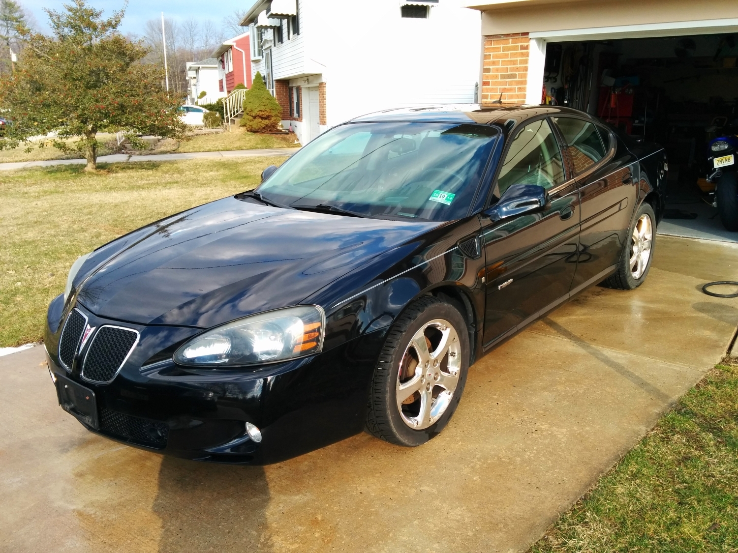 Black 2007 Pontiac Grand Prix GXP