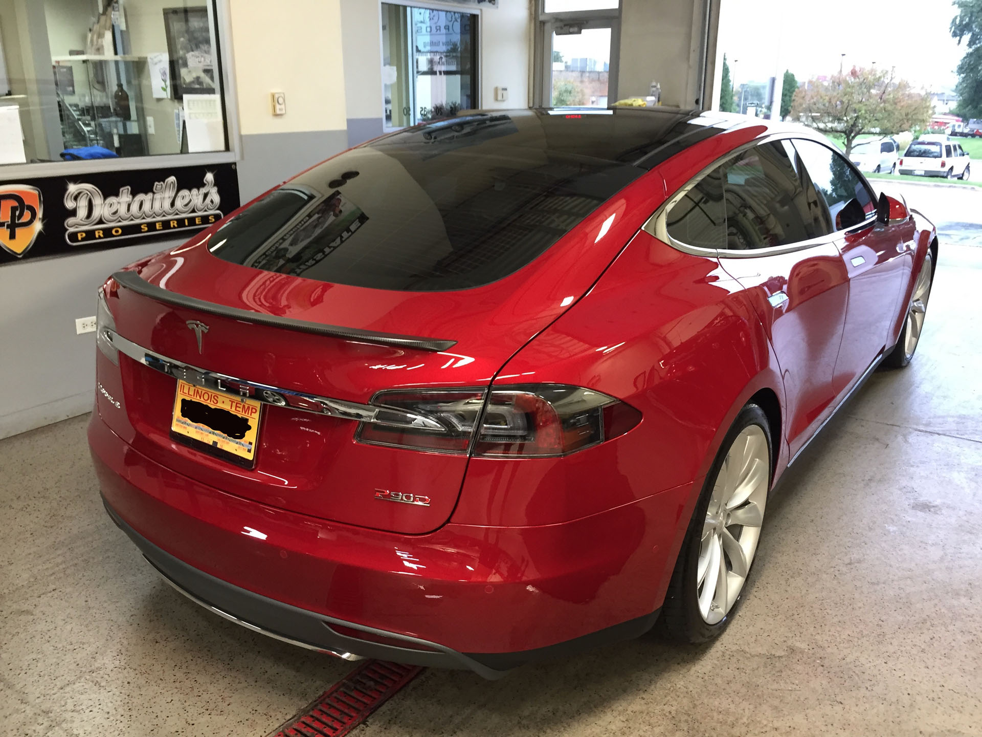 Red 2015 Tesla Model S P90D Ludicrous