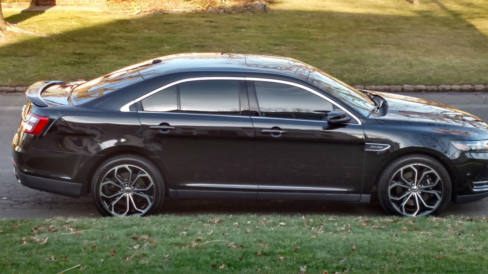 2013 black ford taurus sho picture mods upgrades
