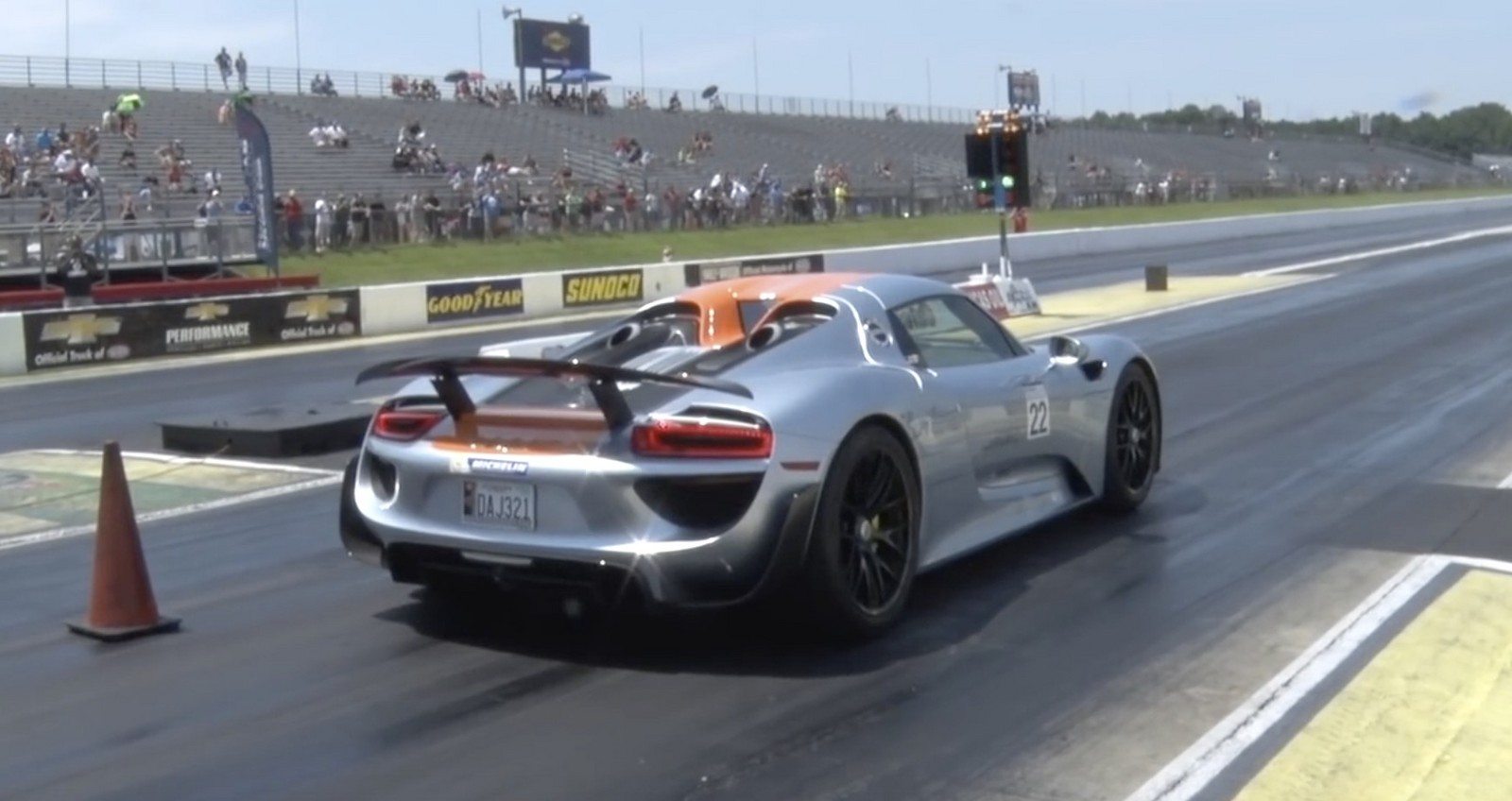 stock 2014 porsche 918 spyder 1 4 mile trap speeds 0 60. Black Bedroom Furniture Sets. Home Design Ideas