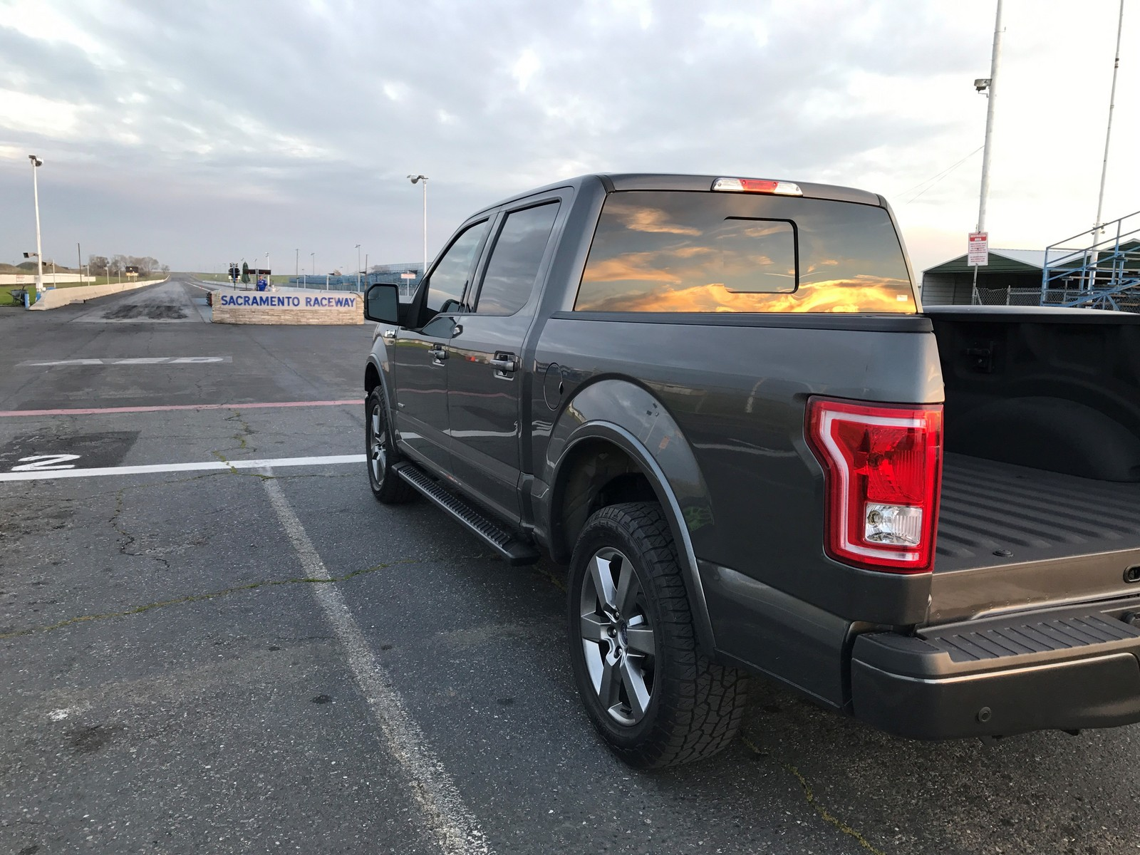 Magnetic 2016 ford f150 xlt supercrew 4x4
