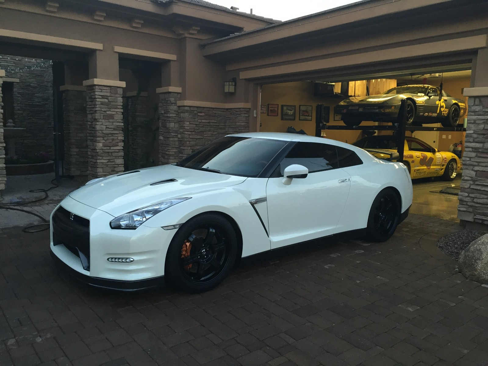White 2014 Nissan GT-R Black Edition