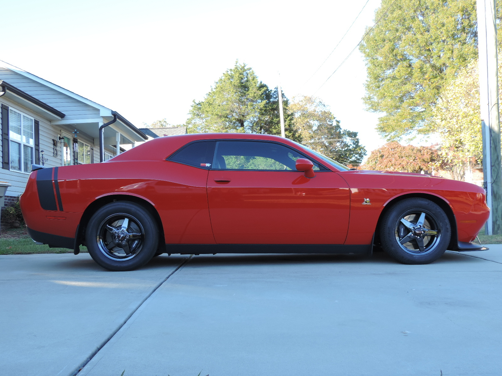 TorRed 2015 Dodge Challenger R/T Scat Pack