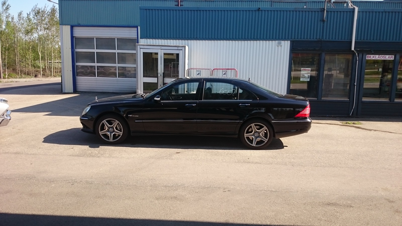 Black 2004 Mercedes-Benz S600 L