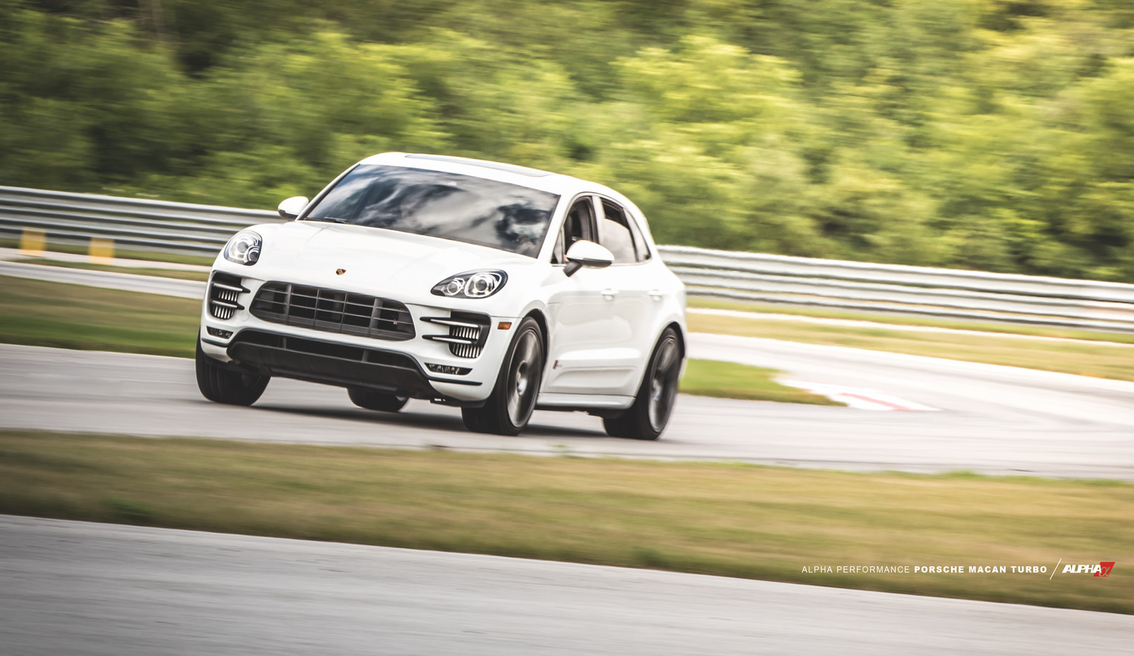 White 2015 Porsche Macan Turbo