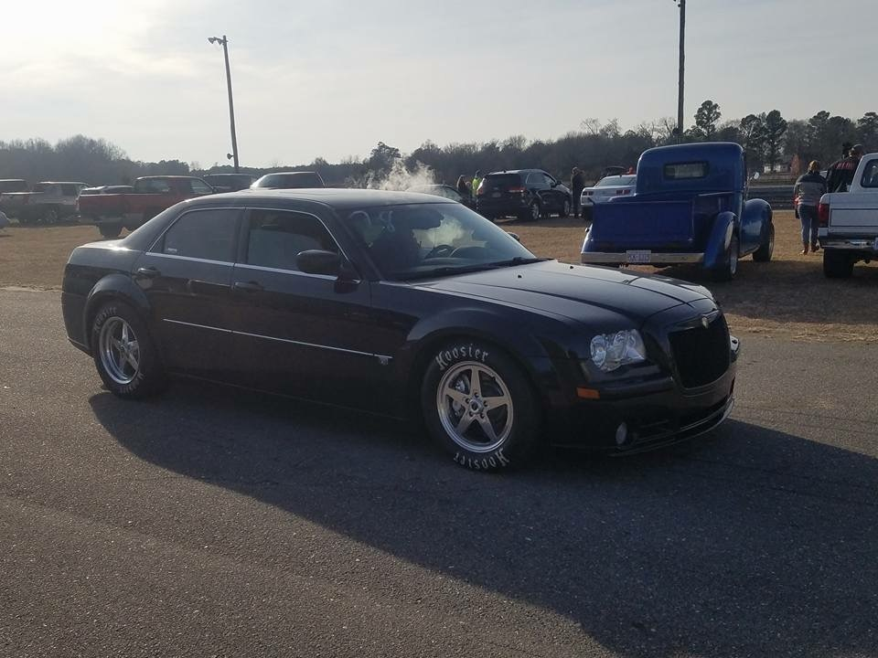 black 2006 Chrysler 300 srt8