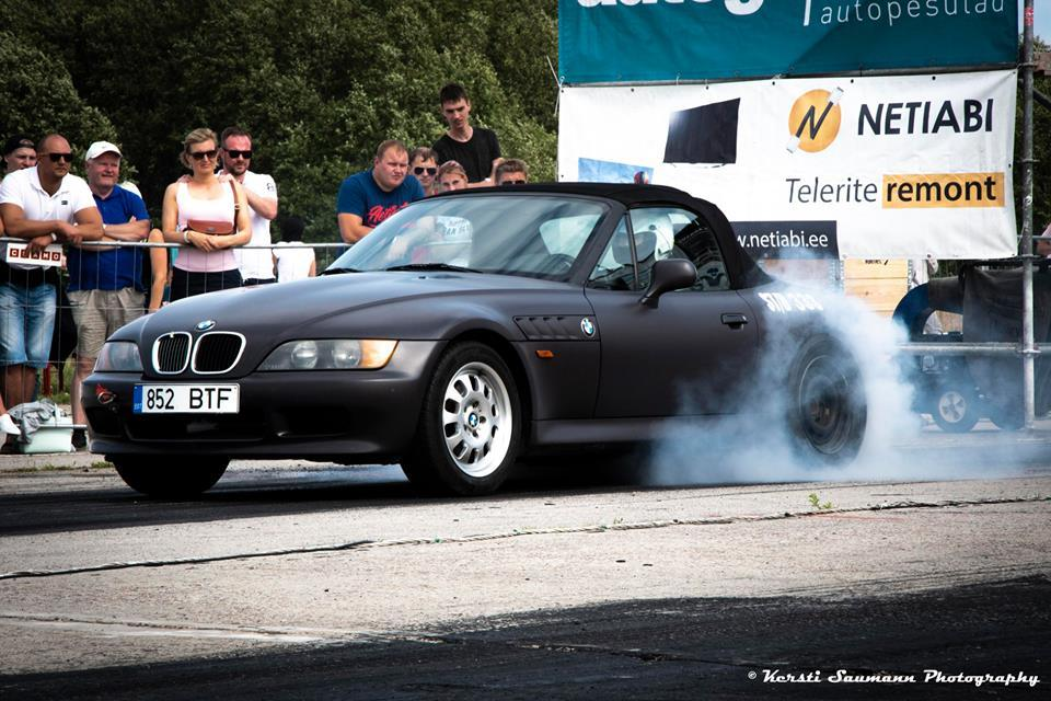 1996 Bmw Z3 1 4 Mile Trap Speeds 0 60 Dragtimes Com