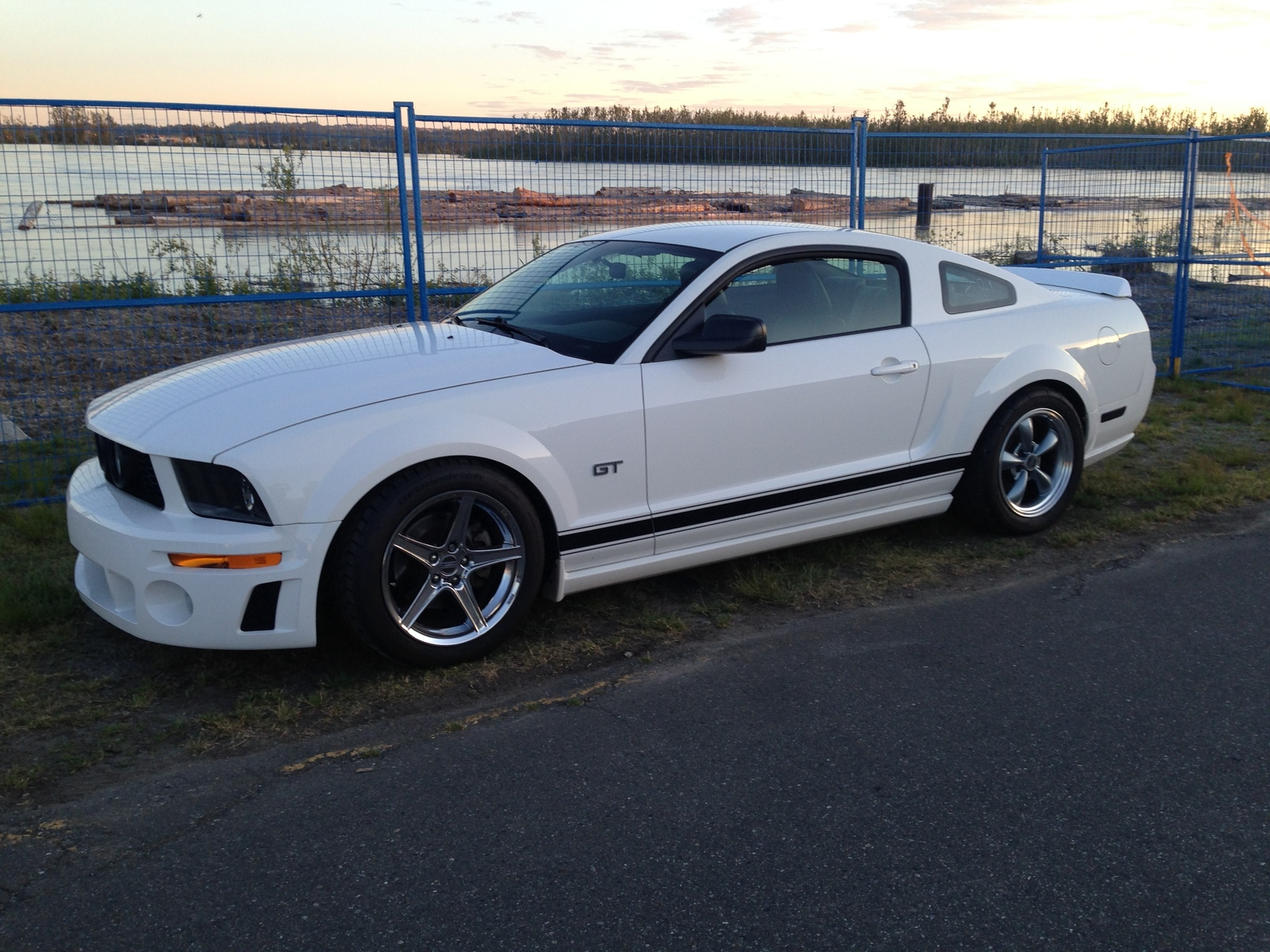 Mustang Gt 0 60 >> 2006 Ford Mustang Gt 1 4 Mile Trap Speeds 0 60 Dragtimes Com