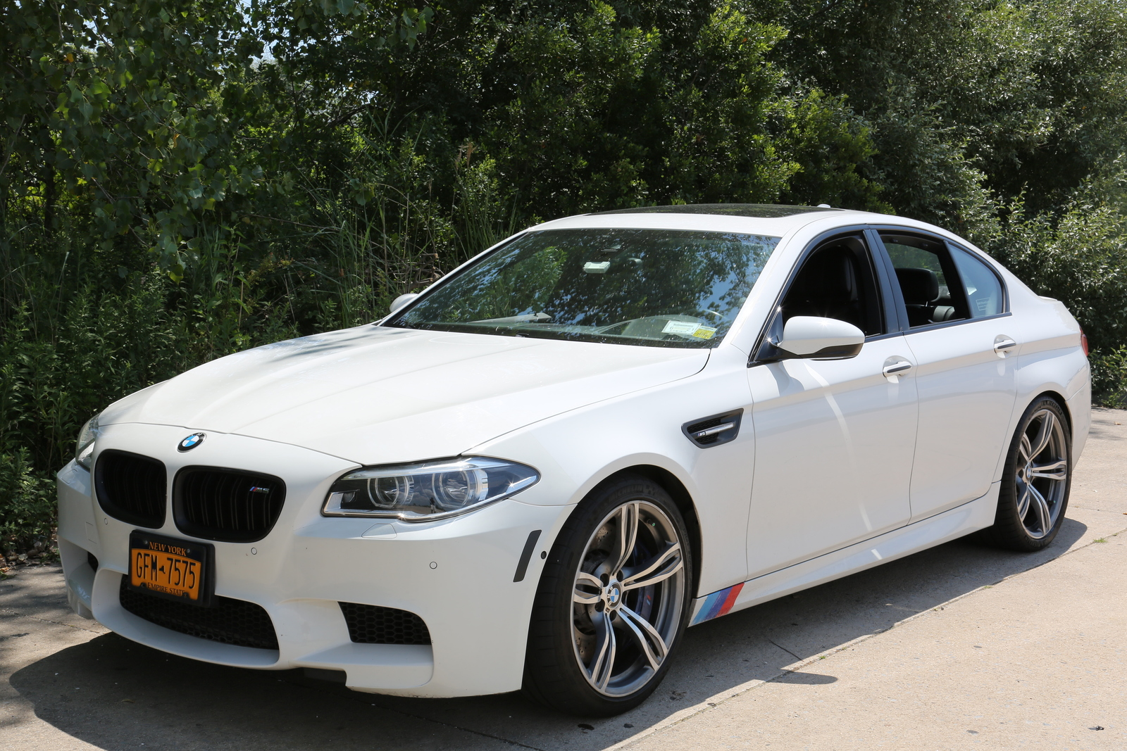 2014 Alpine White Bmw M5 Competition Package Pictures Mods Upgrades Wallpaper Dragtimes Com