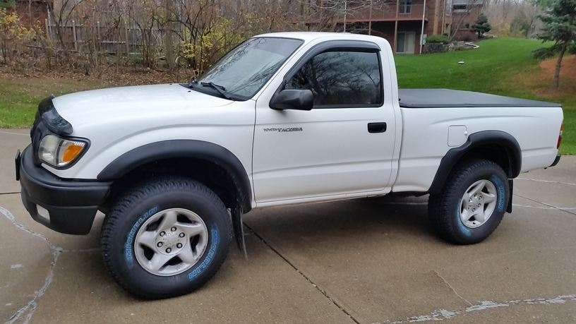 White 2002 Toyota Tacoma Single cab 4x4