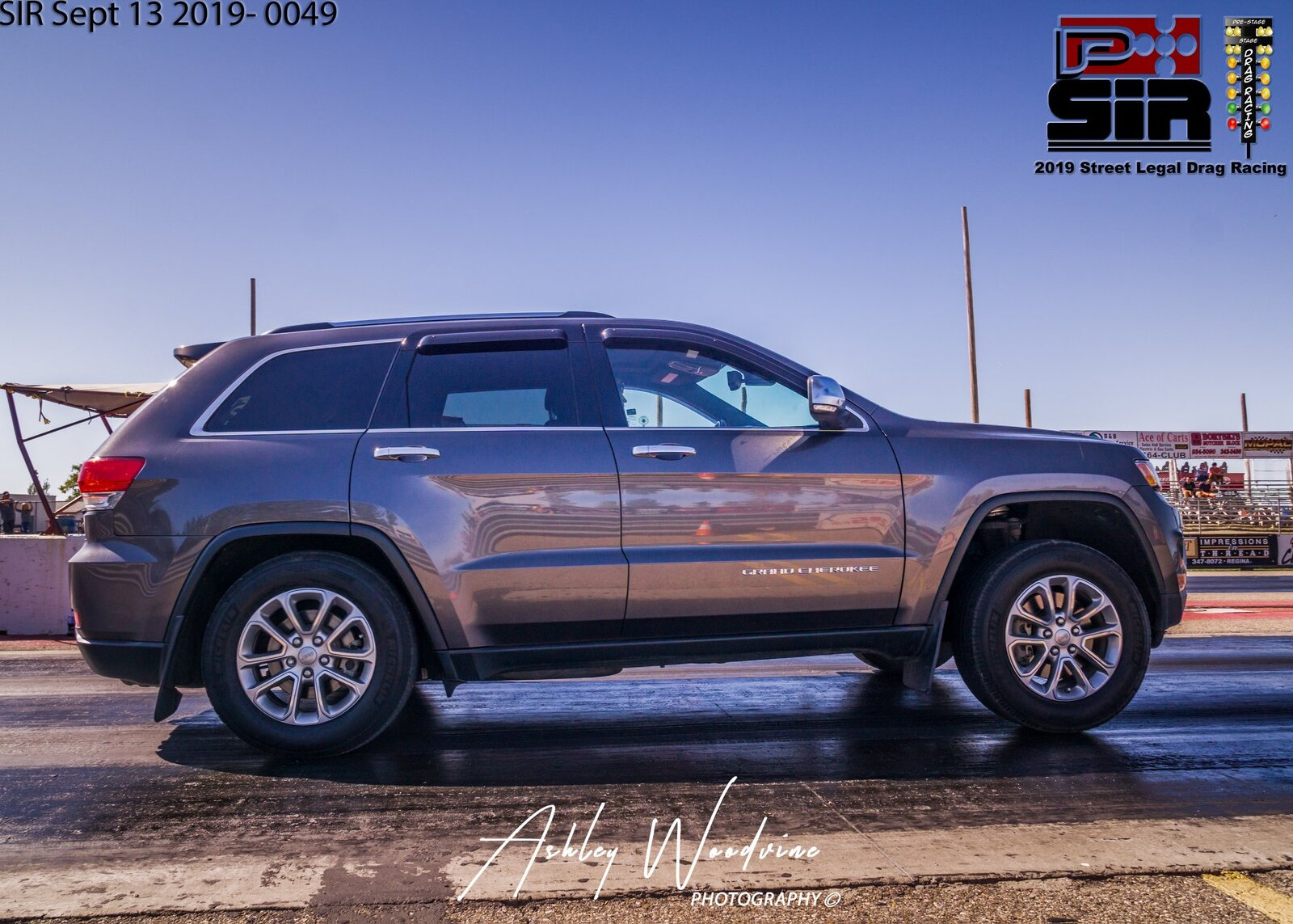 2014 Grey Jeep Grand Cherokee Limited  5.7L picture, mods, upgrades