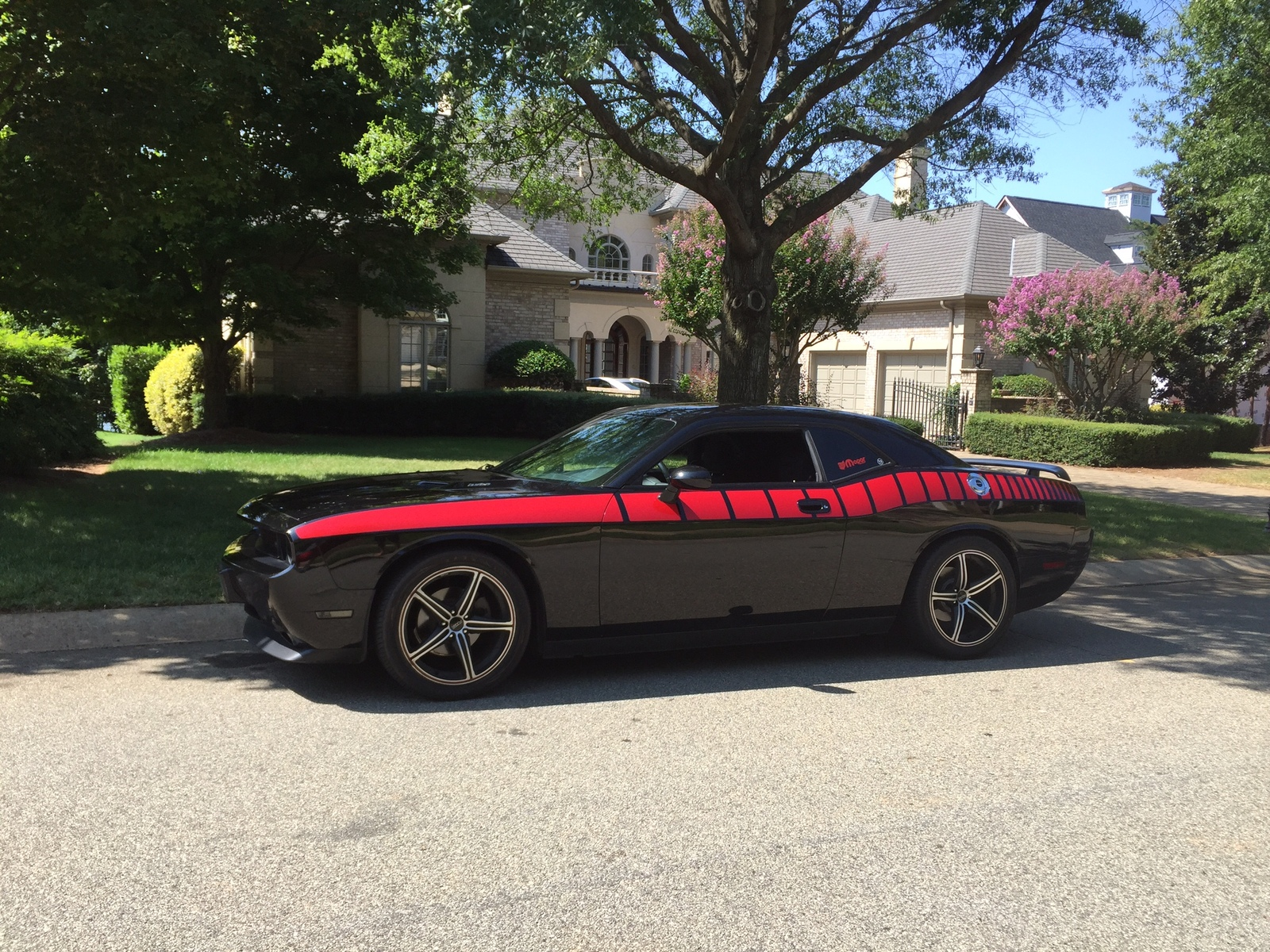 2010 Black Dodge Challenger SE picture, mods, upgrades
