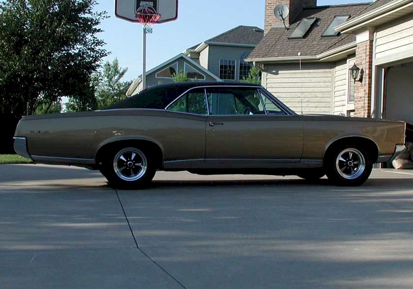 You can vote for this Pontiac GTO to be the featured car of the month on the
