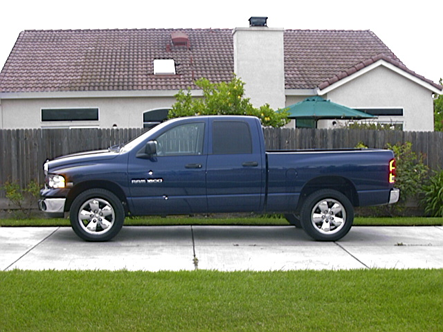 2004  Dodge Ram 1500 SLT QC 4x4 picture, mods, upgrades