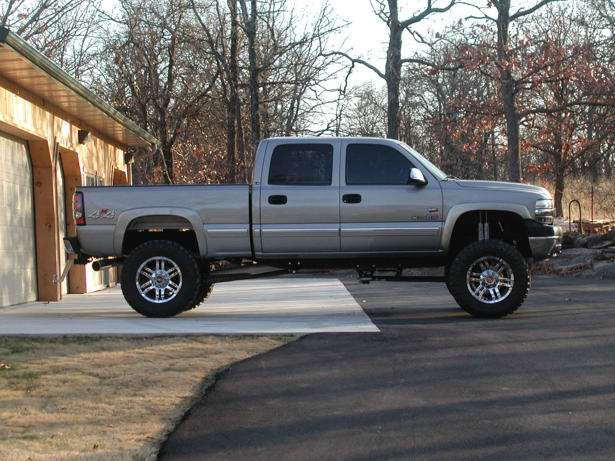 Upcoming 2012 Cars Chevrolet Silverado 2500hd With