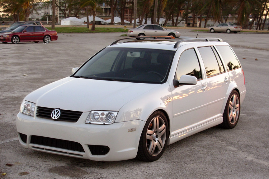 Check what are the Top 10 Best Fuel Economy Cars of 2005. Volkswagen Jetta