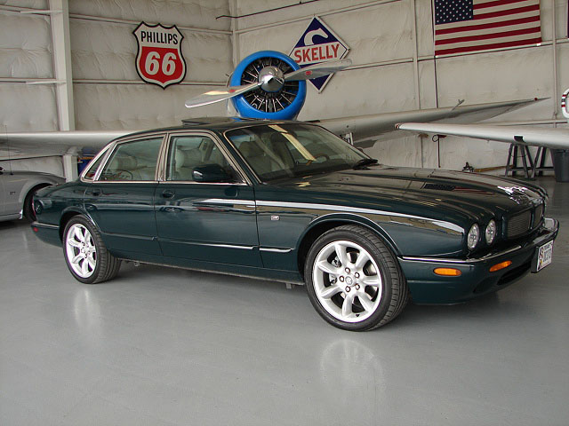 2000 Jaguar XJR 4 door sedan
