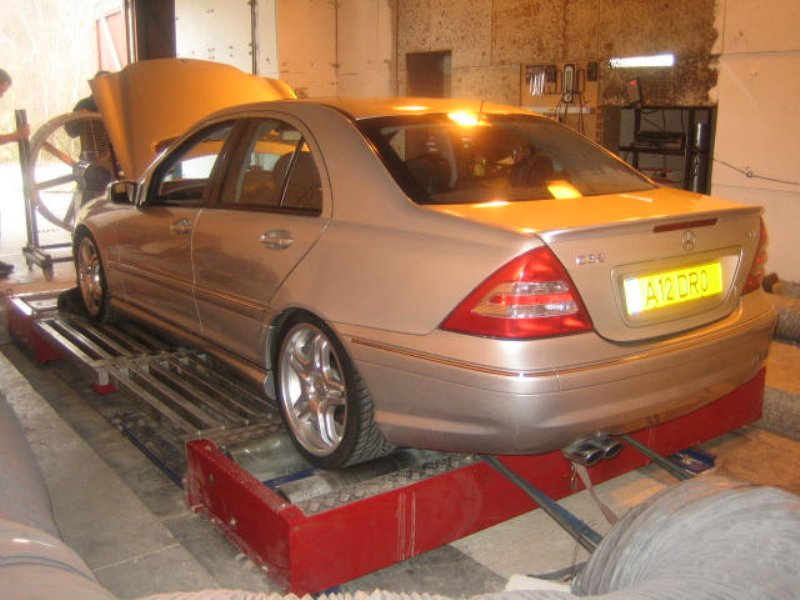 2004  Mercedes-Benz C32 AMG  picture, mods, upgrades