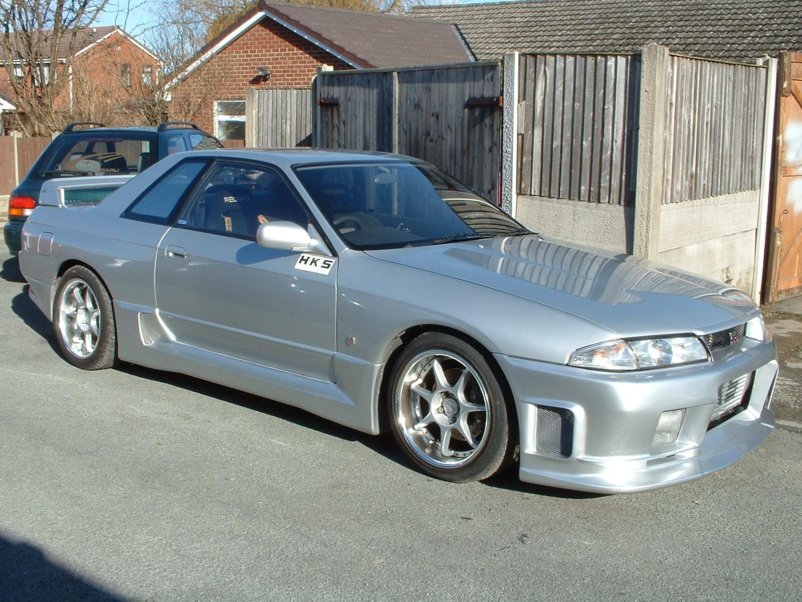 8812-1994-Nissan-Skyline.jpg