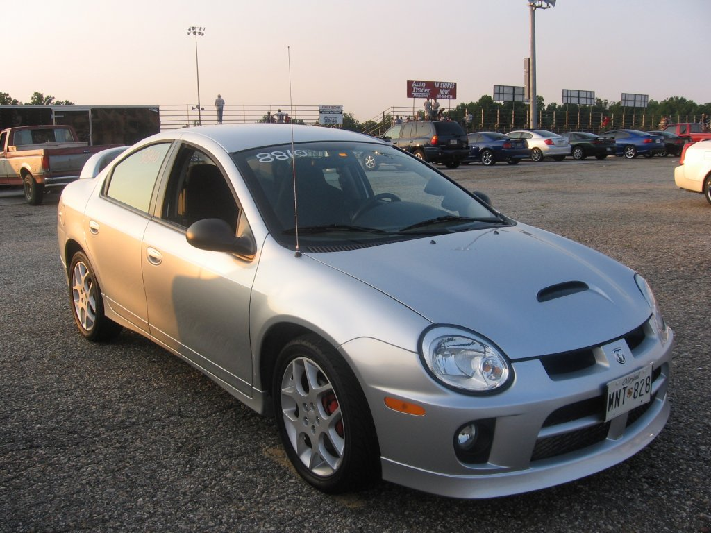You can vote for this Dodge Neon SRT-4 to be the featured car of the month ...